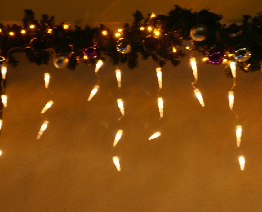 Die Eiszapfen des Weihnachtshaus Neureut 2013