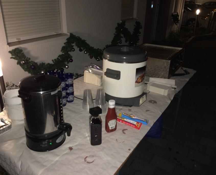 Der Glühwein der Einschaltparty des Weihnachtshaus Neureut 2013